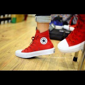 Converse Chuck Taylor 2 Red Hi Tops